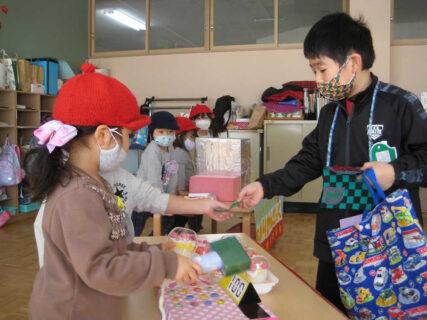 幼稚園 2月の写真を掲載しました。